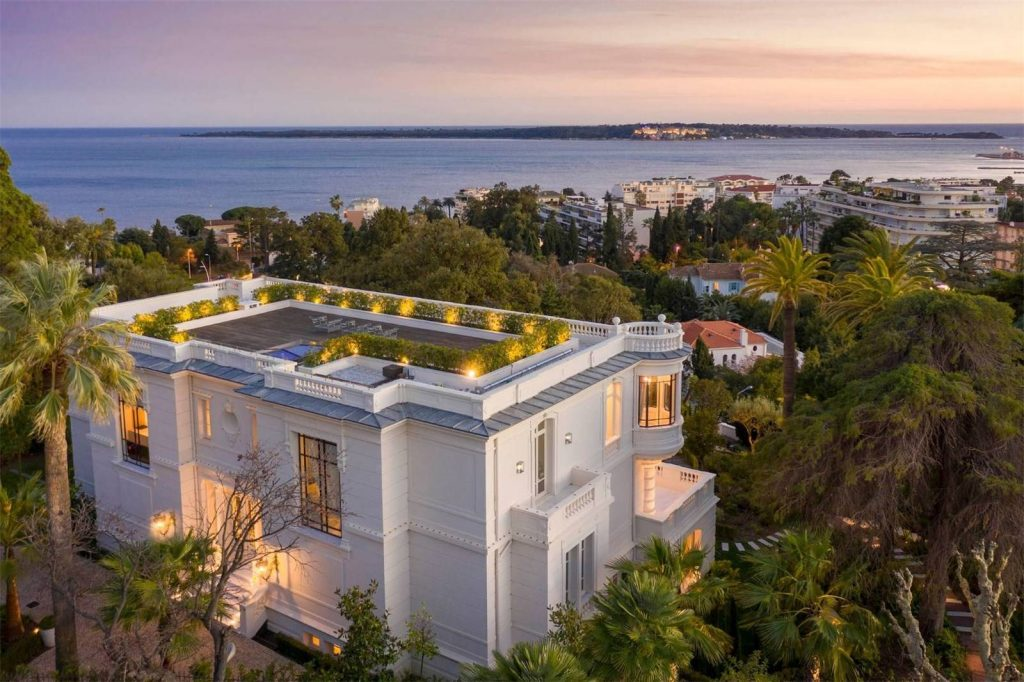 Spend a Glamorous Sunday in Cannes