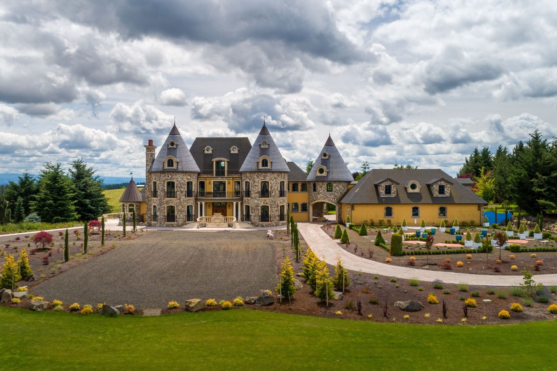 Video Of The The Week Take A Virtual Tour Of A European Inspired Chateau In West Linn Oregon Sotheby S International Realty Blog