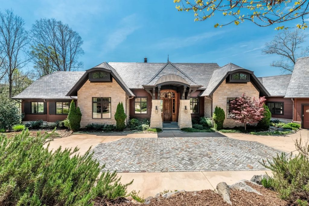 Video of the Week: Take a Virtual Tour of a Lakefront Estate in Sunset,  South Carolina - Sotheby´s International Realty   Blog
