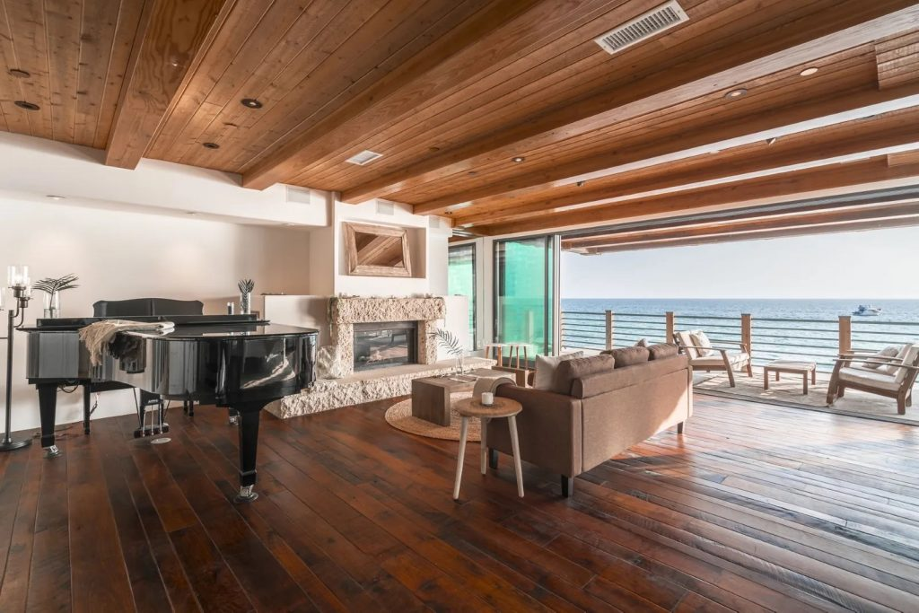 Seamless Style: 5 Homes Designed for Indoor-Outdoor Living - Sotheby´s International Realty   Blog